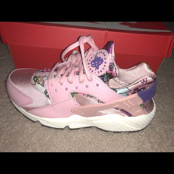 pink huaraches aloha